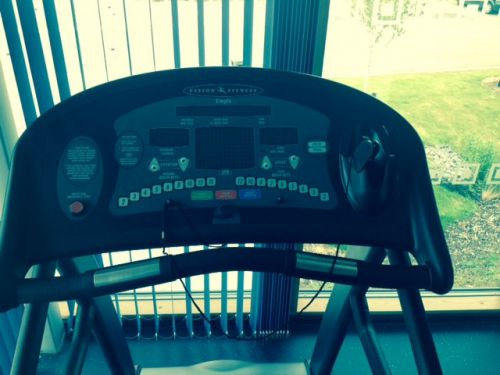 Treadmill - Vision Fitness T9700 HRT machine as new